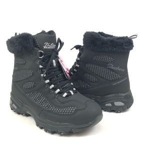 Skechers D'Lites Bomb Cyclone Boots Wide Black 9